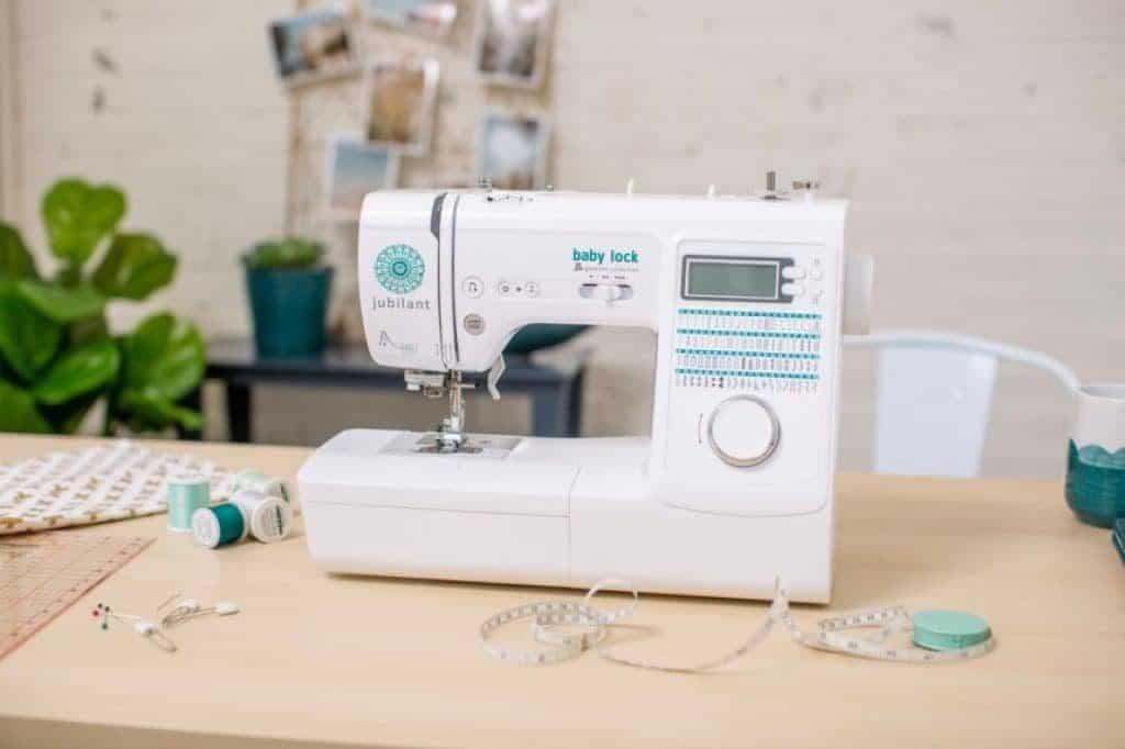 Solución de problemas de las máquinas de coser baby lock