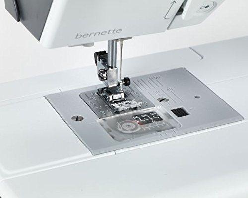 Máquina de coser Bernette B37